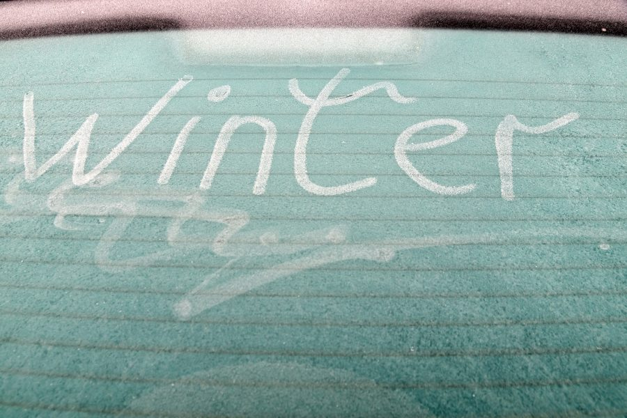 Don't Use Boiling Water To De-Ice Your Windscreen!