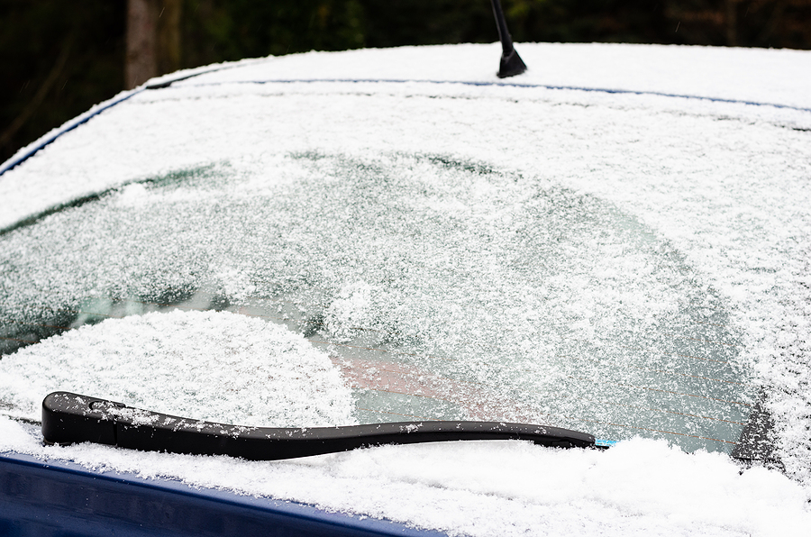 Handy Trick For De-Icing Your Windscreen